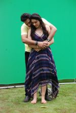 Ankit Saraswat with Anchal Singh at the shooting of Hai Tu in Madh Island on 4th Aug 2014 (7)_53e1cc439f5e5.JPG