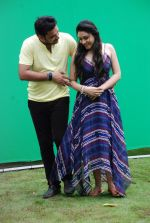 Ankit Saraswat with Anchal Singh at the shooting of Hai Tu in Madh Island on 4th Aug 2014 (10)_53e1cbab1a1d5.JPG
