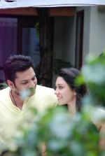 Ankit Saraswat with Anchal Singh at the shooting of Hai Tu in Madh Island on 4th Aug 2014 (16)_53e1cbafaadf2.JPG