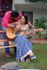 Ankit Saraswat with Anchal Singh at the shooting of Hai Tu in Madh Island on 4th Aug 2014 (30)_53e1cbb4aa843.JPG