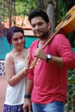 Ankit Saraswat with Anchal Singh at the shooting of Hai Tu in Madh Island on 4th Aug 2014 (37)_53e1cc562f0b6.JPG