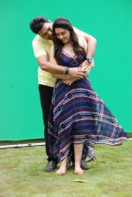 Ankit Saraswat with Anchal Singh at the shooting of Hai Tu in Madh Island on 4th Aug 2014 (8)_53e1cba9743b9.JPG