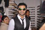 Mohammed Nazim (lead actor of Sathiya) inaugurates Parikrama fashion exhibition in Blue Sea on 4th Aug 2014 (78)_53e1f0e57ccc9.JPG