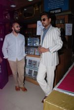 Ritesh Batra, Irrfan Khan at Lunchbox DVD launch in Infinity, Mumbai on 6th Aug 2014 (49)_53e35e4af04e7.JPG