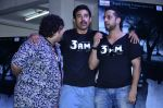 Ranvijay Singh, Salil Acharya at 3 AM trailor launch in Matunga on 8th Aug 2014 (111)_53e5ba7d88430.JPG
