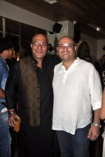 Amit Behl at Ek Haseena Thi 100 episodes completion at Eddie_s Bistro Pali Hill on 8th Aug 2014 (111)_53e761fa64087.JPG