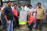 MLA Krishna Hegde makes nude Aaamir wear t-shirt in Parle on 9th Aug 2014 (55)_53e75273ded3b.JPG