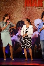 Priyanka Chopra, Mary Kom at Mary Kom music launch presented by Usha International in ITC Grand Maratha on 13th Aug 2014 (112)_53ec75e147f33.JPG