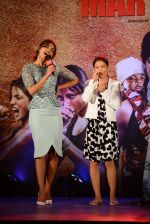 Priyanka Chopra, Mary Kom at Mary Kom music launch presented by Usha International in ITC Grand Maratha on 13th Aug 2014 (220)_53ec7616b7b39.JPG