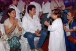 Zarina Wahab, Gajendra Chauhan at Dharmesh Tiwari prayer meet organised by FWICE in Filmistan, Mumbai on 13th Aug 2014 (39)_53ec566e61260.JPG