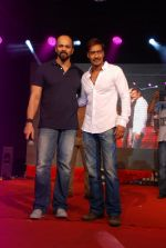 Ajay Devgan, Rohit Shetty promotes Singham Returns in Mithibai college on 14th Aug 2014 (97)_53ed69cf76c14.JPG