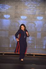 Farah Khan walks for Manish Malhotra Show in Mumbai on 14th Aug 2014 (316)_53ede92a9bfef.JPG