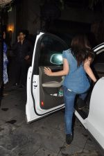 Alia Bhatt snapped at Karan_s house in Bandra, Mumbai on 15th Aug 2014 (17)_53ef4589beac6.JPG
