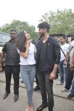 Shraddha Kapoor, Shahid Kapoor at Haider promotions at Umang College festival  in Parle, Mumbai on 15th Aug 2014 (104)_53ef4c54a8b25.JPG