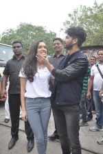 Shraddha Kapoor, Shahid Kapoor at Haider promotions at Umang College festival  in Parle, Mumbai on 15th Aug 2014 (122)_53ef4c61b5ecf.JPG