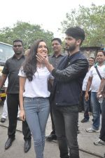 Shraddha Kapoor, Shahid Kapoor at Haider promotions at Umang College festival  in Parle, Mumbai on 15th Aug 2014 (126)_53ef4c64c96b0.JPG