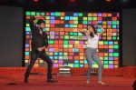 Shraddha Kapoor, Shahid Kapoor at Haider promotions at Umang College festival  in Parle, Mumbai on 15th Aug 2014 (229)_53ef4c76e133b.JPG