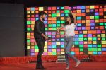 Shraddha Kapoor, Shahid Kapoor at Haider promotions at Umang College festival  in Parle, Mumbai on 15th Aug 2014 (232)_53ef4b21de916.JPG