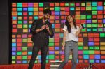 Shraddha Kapoor, Shahid Kapoor at Haider promotions at Umang College festival  in Parle, Mumbai on 15th Aug 2014 (239)_53ef4c7e1d8cd.JPG