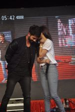 Shraddha Kapoor, Shahid Kapoor at Haider promotions at Umang College festival  in Parle, Mumbai on 15th Aug 2014 (255)_53ef4c89751a4.JPG