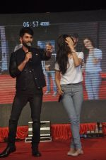 Shraddha Kapoor, Shahid Kapoor at Haider promotions at Umang College festival  in Parle, Mumbai on 15th Aug 2014 (264)_53ef4c8c68ace.JPG