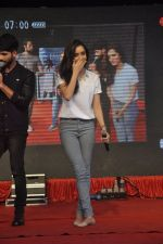 Shraddha Kapoor, Shahid Kapoor at Haider promotions at Umang College festival  in Parle, Mumbai on 15th Aug 2014 (267)_53ef4c8f52e18.JPG