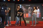 Shraddha Kapoor, Shahid Kapoor at Haider promotions at Umang College festival  in Parle, Mumbai on 15th Aug 2014 (281)_53ef4c90d3617.JPG