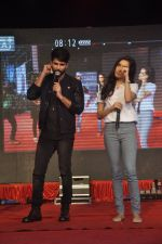Shraddha Kapoor, Shahid Kapoor at Haider promotions at Umang College festival  in Parle, Mumbai on 15th Aug 2014 (285)_53ef4c93b1078.JPG