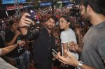 Shraddha Kapoor, Shahid Kapoor at Haider promotions at Umang College festival  in Parle, Mumbai on 15th Aug 2014 (321)_53ef4cad87ca3.JPG