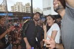 Shraddha Kapoor, Shahid Kapoor at Haider promotions at Umang College festival  in Parle, Mumbai on 15th Aug 2014 (326)_53ef4b50e13cd.JPG