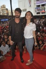 Shraddha Kapoor, Shahid Kapoor at Haider promotions at Umang College festival  in Parle, Mumbai on 15th Aug 2014 (330)_53ef4b53aaa55.JPG