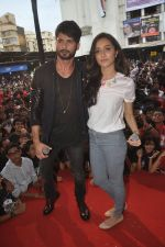 Shraddha Kapoor, Shahid Kapoor at Haider promotions at Umang College festival  in Parle, Mumbai on 15th Aug 2014 (331)_53ef4cb4d0846.JPG