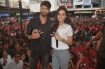 Shraddha Kapoor, Shahid Kapoor at Haider promotions at Umang College festival  in Parle, Mumbai on 15th Aug 2014 (343)_53ef4cbd715d4.JPG