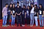 Shraddha Kapoor, Shahid Kapoor at Haider promotions at Umang College festival  in Parle, Mumbai on 15th Aug 2014 (63)_53ef4c3f0459c.JPG