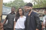 Shraddha Kapoor, Shahid Kapoor at Haider promotions at Umang College festival  in Parle, Mumbai on 15th Aug 2014 (84)_53ef4c463313a.JPG