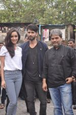 Shraddha Kapoor, Shahid Kapoor, Vishal Bharadwaj at Haider promotions at Umang College festival  in Parle, Mumbai on 15th Aug 2014 (32)_53ef4cc747ac1.JPG