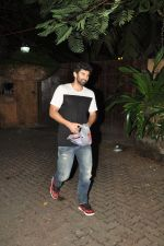 Aditya Roy Kapoor snapped at Ranbir_s house on 16th Aug 2014 (2)_53f09965aa23e.JPG