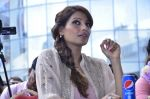 Bipasha Basu promotes Creature at Mithibai college fest in Mumbai on 16th Aug 2014 (503)_53f09abce54f1.JPG