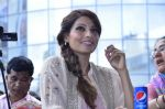 Bipasha Basu promotes Creature at Mithibai college fest in Mumbai on 16th Aug 2014 (512)_53f09acd16f9d.JPG