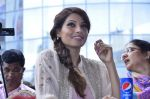 Bipasha Basu promotes Creature at Mithibai college fest in Mumbai on 16th Aug 2014 (513)_53f09ace70a47.JPG