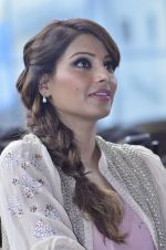 Bipasha Basu promotes Creature at Mithibai college fest in Mumbai on 16th Aug 2014 (554)_53f09b09398d2.JPG
