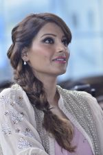 Bipasha Basu promotes Creature at Mithibai college fest in Mumbai on 16th Aug 2014 (555)_53f09b0a7ffac.JPG