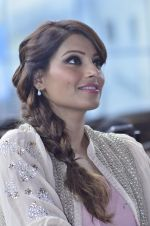 Bipasha Basu promotes Creature at Mithibai college fest in Mumbai on 16th Aug 2014 (556)_53f09b0bd108b.JPG