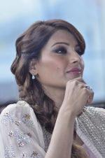 Bipasha Basu promotes Creature at Mithibai college fest in Mumbai on 16th Aug 2014 (558)_53f09b0ec2867.JPG