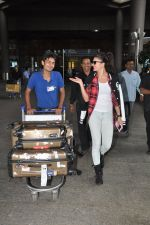 Jacqueline Fernandez snapped at airport in Mumbai on 16th Aug 2014 (14)_53f09a363f1a4.JPG