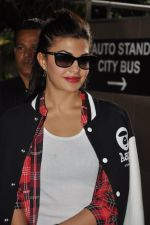 Jacqueline Fernandez snapped at airport in Mumbai on 16th Aug 2014 (21)_53f09a5202c36.JPG