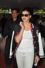 Jacqueline Fernandez snapped at airport in Mumbai on 16th Aug 2014 (26)_53f09a45cd2bd.JPG
