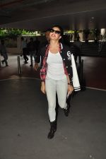 Jacqueline Fernandez snapped at airport in Mumbai on 16th Aug 2014 (30)_53f09a4b0c509.JPG