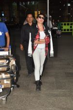 Jacqueline Fernandez snapped at airport in Mumbai on 16th Aug 2014 (8)_53f09a2c33192.JPG