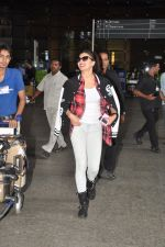 Jacqueline Fernandez snapped at airport in Mumbai on 16th Aug 2014 (9)_53f09a2f359ac.JPG